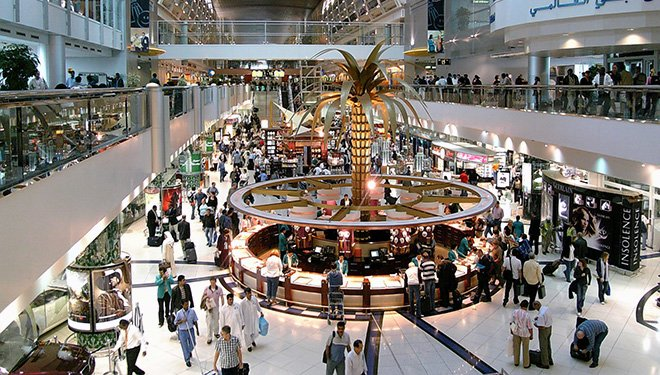 Dubai Airport, always busy, always shopping to be done!