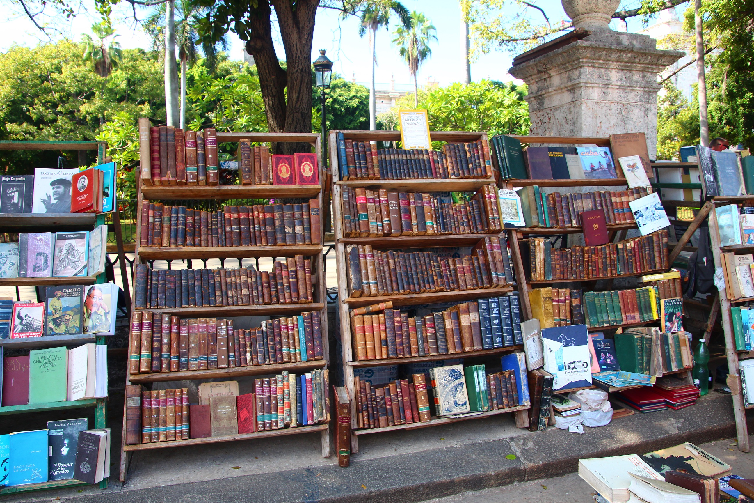 You may wish to purchase a book from Plaza Del Armas before joining a bank queue - Crooked Compass