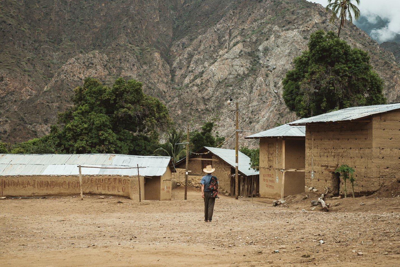 Riverside village of Mendán. Camote.