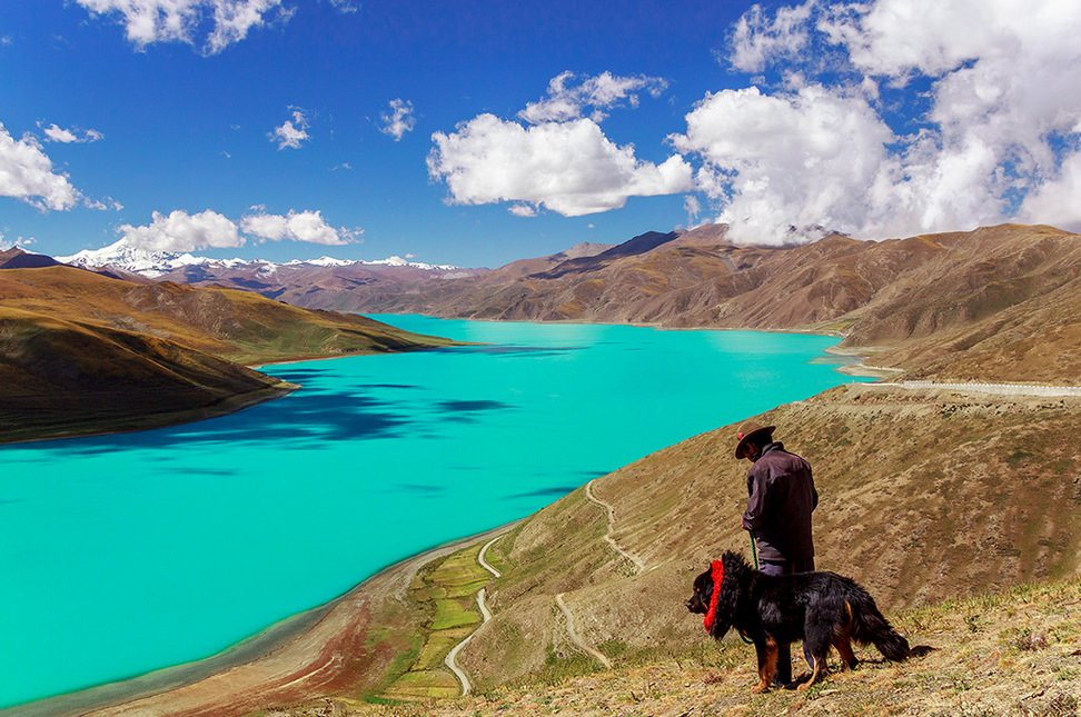 Turquoise waters of Yamdrok Lake, Tibet