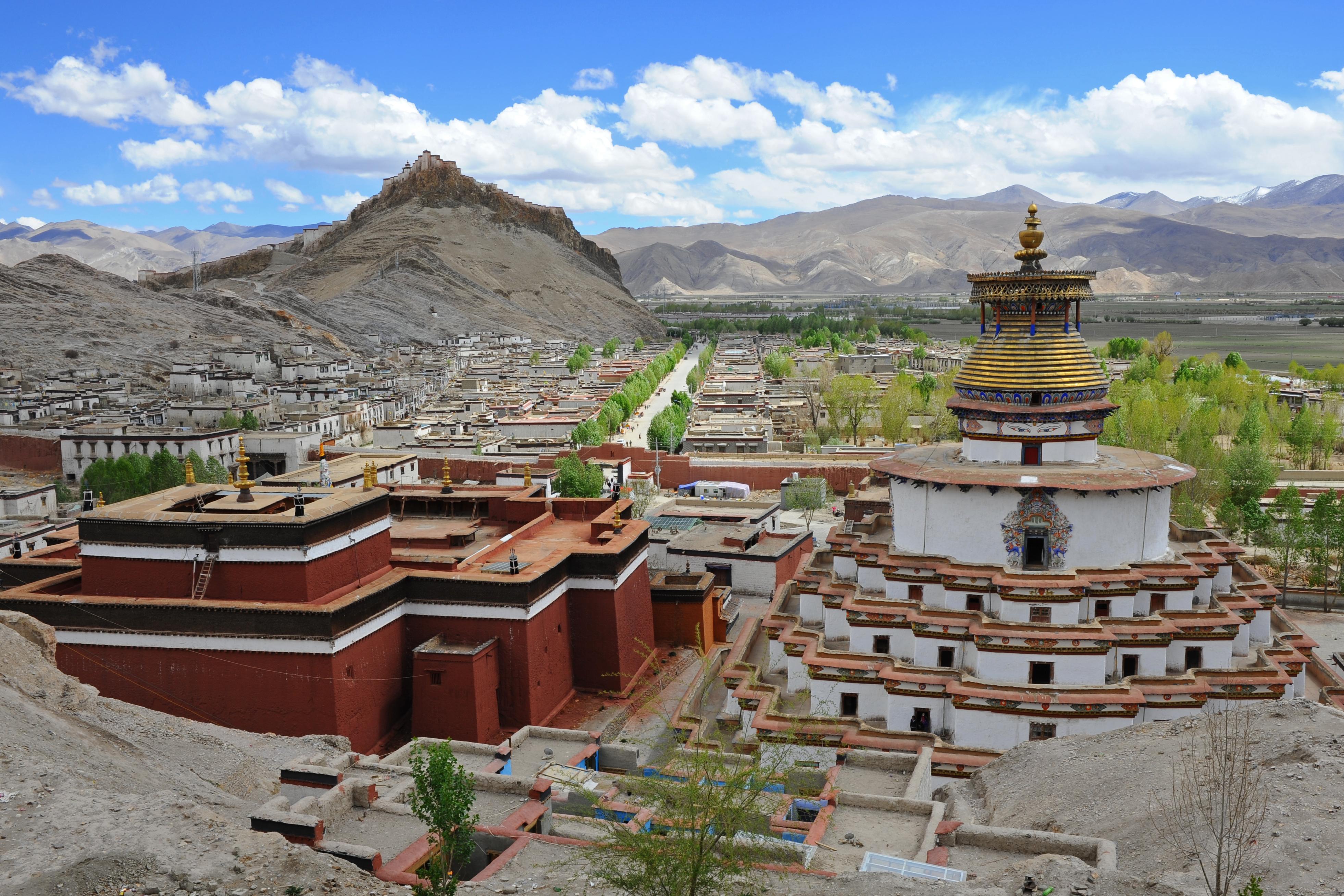 Kumbum Dzong, Tibet