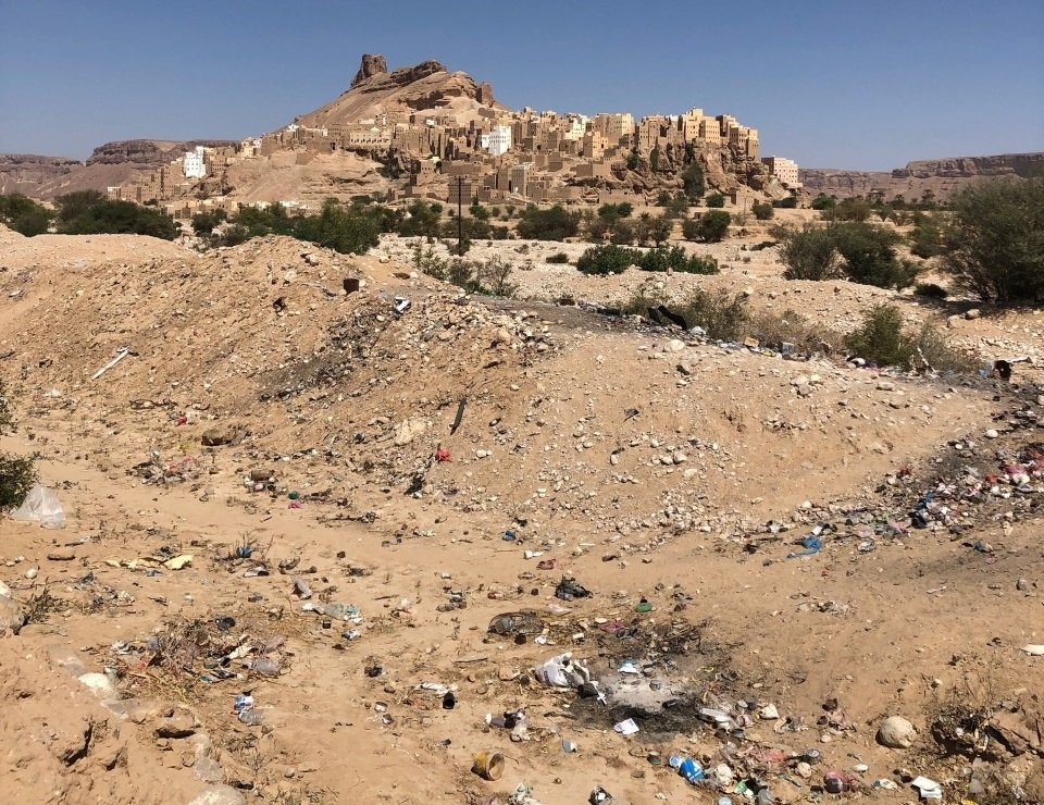 Were does your eye go? To the rubbish in the foreground or the impressive mud town in the background. Shame huh? Photo credit: Lisa Pagotto